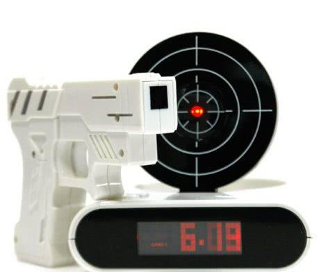 Будилник с Пистолет