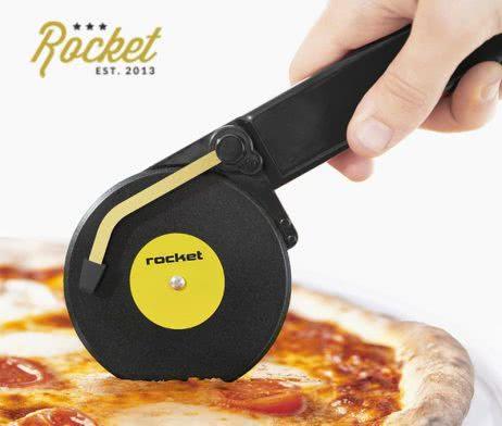 noj-za-pizza-gramofon-01